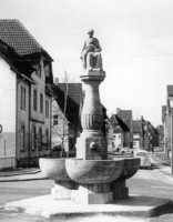 Mutter-und-Kind-Brunnen in Leverkusen