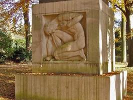 Kriegerdenkmal auf dem Ehrenfriedhof in Opladen